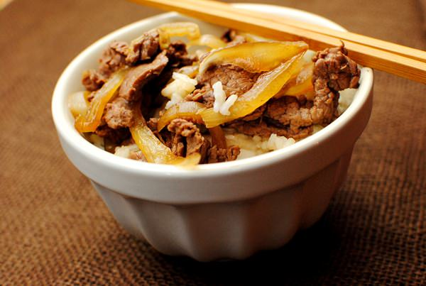 Copycat yoshinoya beef bowls iowa girl eats ugh now i kind of want to read memoirs for a geisha my copy is completely tattered from reading it nearly 5 dozen times after i returned home from japan forumfinder Image collections