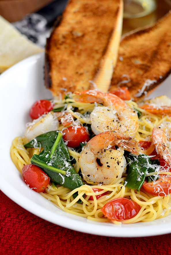 Shrimp Florentine Pasta via @Iowa Girl Eats
