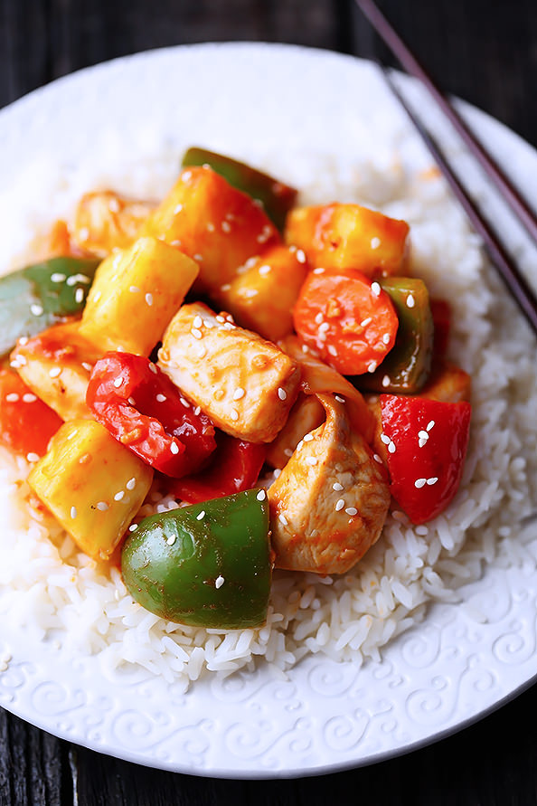 Lighter Sweet & Sour Chicken from Ali @ Gimme Some Oven | iowagirleats.com