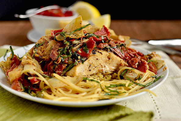 Mediterranean Smothered-Chicken | iowagirleats.com