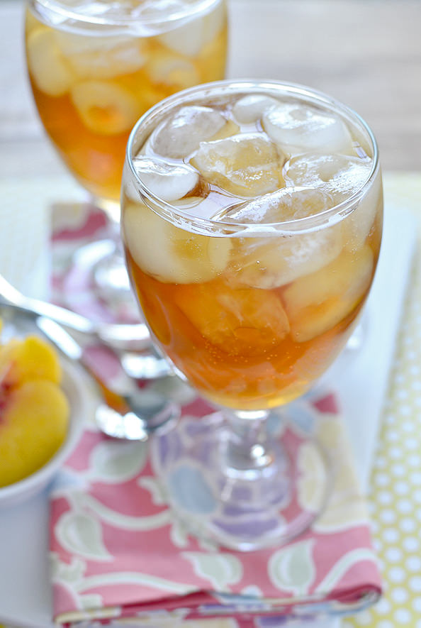 Copycat Caribou Coffee Sparkling Peach Black Tea | iowagirleats.com