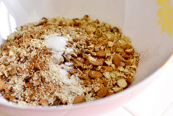 Homemade Maple Almond Granola | iowagirleats.com