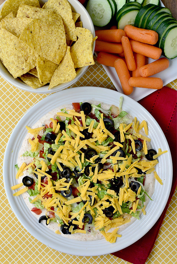Taco Dip Platter is a light, no heat required meal or party dish! | iowagirleats.com