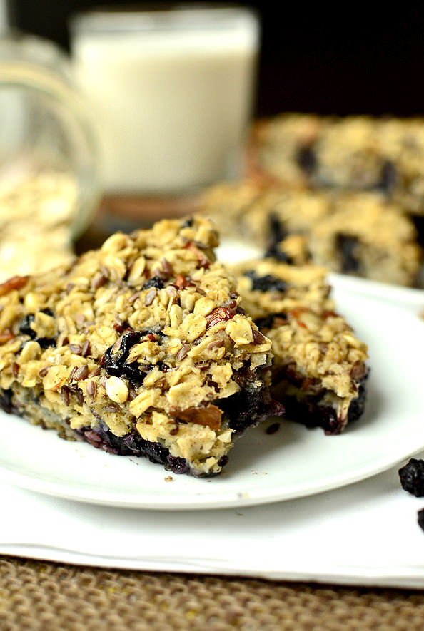 Baked Blueberry Almond Oatmeal Bars | iowagirleats.com
