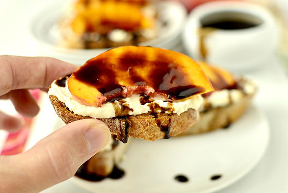 Fresh Peach Crostini with Whipped Honey Feta and Balsamic Drizzle | iowagirleats.com