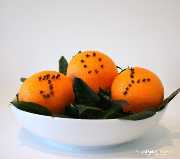 DIY-Orange-Clove-Pomanders_mini