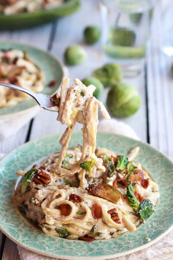 Carmelized-Brussel-Sprout-and-Bacon-Fettuchine-Alfredo-21_mini