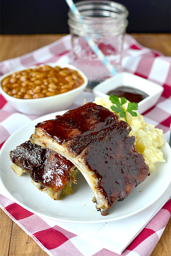 plate of easy baked ribs