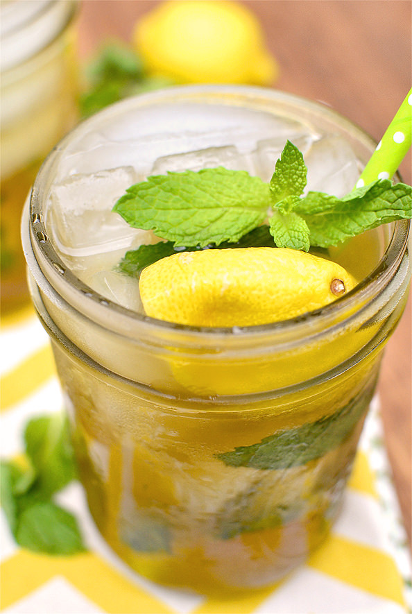 Sweet Tea Vodka Lemonade Mojitos | iowagirleats.com