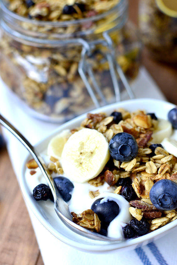 Blueberry Banana Bread Granola #glutenfree | iowagirleats.com