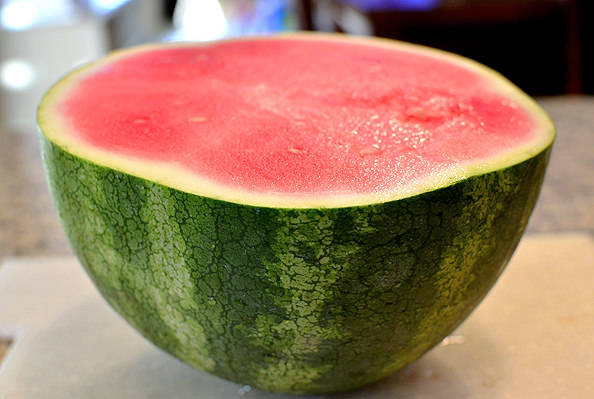 How To Cut a Watermelon | iowagirleats.com