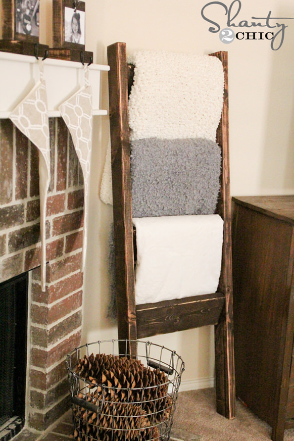 DIY-Wooden-Blanket-Ladder_mini