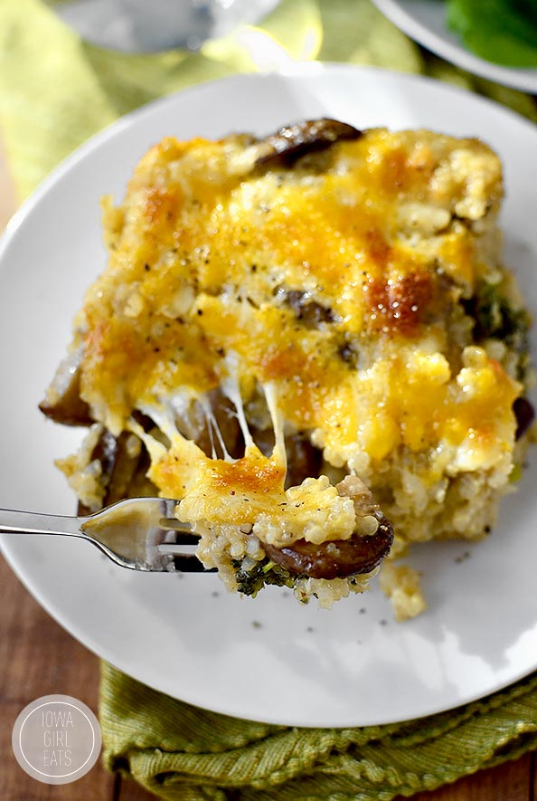 Cheesy Mushroom and Broccoli Quinoa Casserole is a hearty meatless casserole that will get two thumbs up from your family! #glutenfree   iowagirleats.com