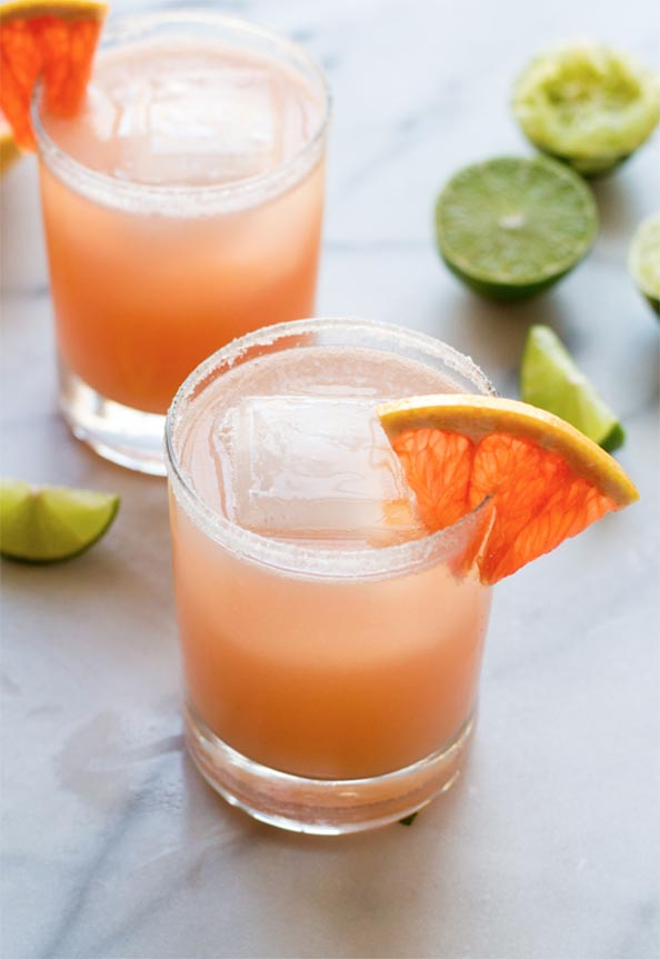 Fizzy-Pink-Grapefruit-Margaritas.-SO-refreshing