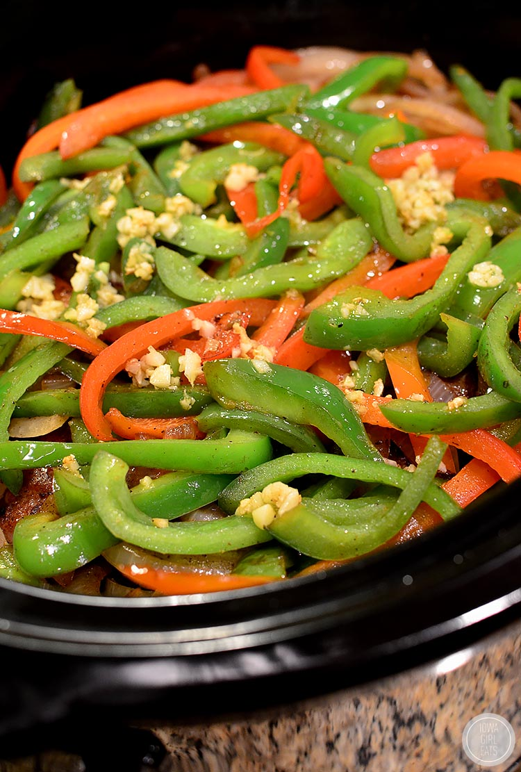 Crock-Pot-Sausage-and-Peppers-iowagirleats-09