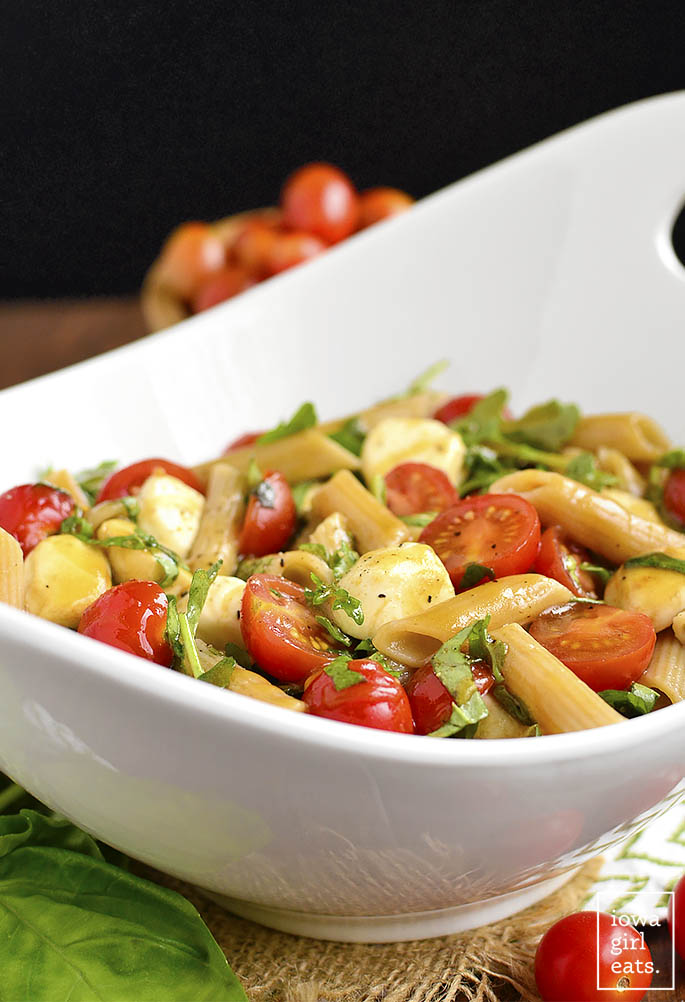 closeup photo of caprese pasta salad