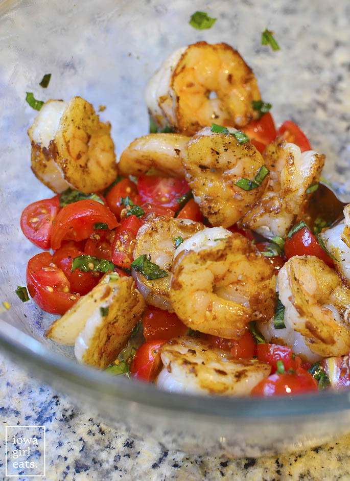 Garlicky-Tomato-Basil-Shrimp-with-Zoodles-iowagirleats-12