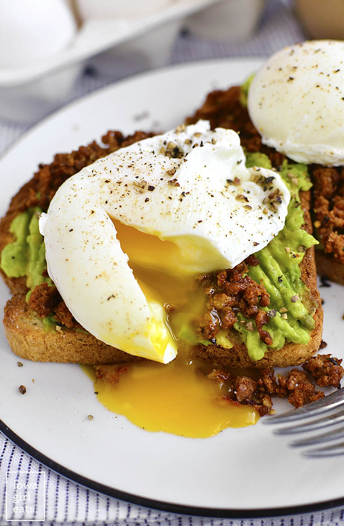 Egg and Chorizo Avocado Toasts are a healthy and filling way to start or end your day. These pumped up gluten-free avocado toasts are absolutely delicious! | iowagirleats.com