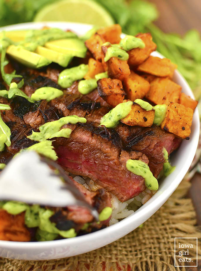 Steak and Avocado Roasted Sweet Potato Bowls are gluten-free, healthy and hearty. Everyone will love this complete meal in a bowl! | buzzpur.info