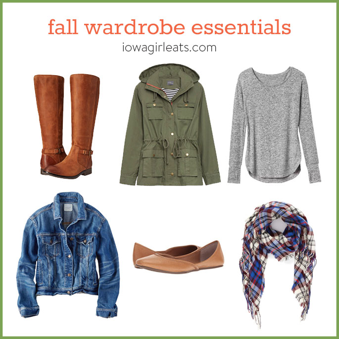 Stay warm and cozy from head to toe this fall with my 5 favorite fall wardrobe essentials. | iowagirleats.com