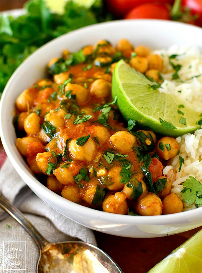 Healthy chickpea curry in a bowl