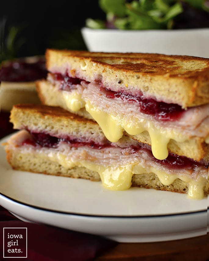 grilled cheese sandwich with cranberry sauce