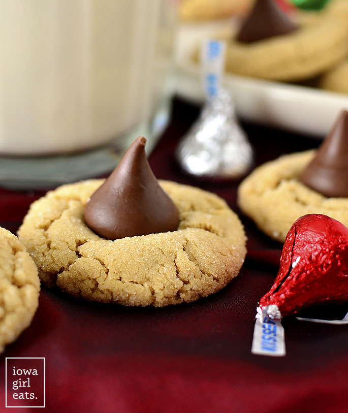 Close up photo of a peanut butter kiss cookie